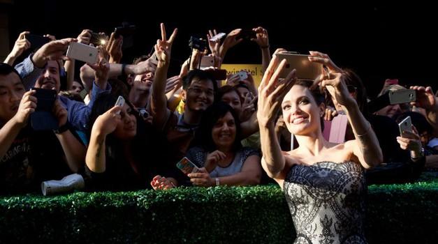 Angelina si je vzela trenutek za številne oboževalce (foto: Karantanija Cinemas)