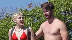 Na Havajih tudi Miley Cyrus s svojim postavnim Patrickom!