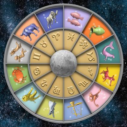 Preberi mesečni horoskop za julij 2015!