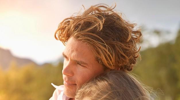 V kaj in kako se zaljubimo ... (foto: Profimedia)