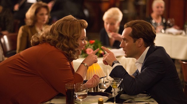 Mellisa McCarthy in Jude Law v noro zabavni komediji Vohunka (foto: profimedia)