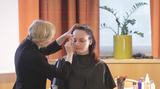 Story Akademija znova navdušila s serijo lepotno-modnih delavnic (foto: Goran Antley)