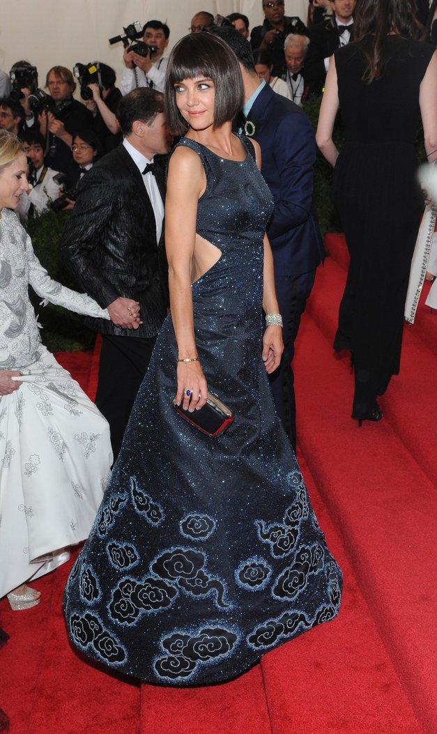 S to obleko je Katie Holmes zasenčila vse na rdeči preprogi (foto: Profimedia)