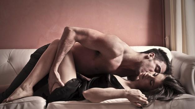 Top triki, ki v hipu vzburijo vsakega moškega! (foto: Shutterstock)