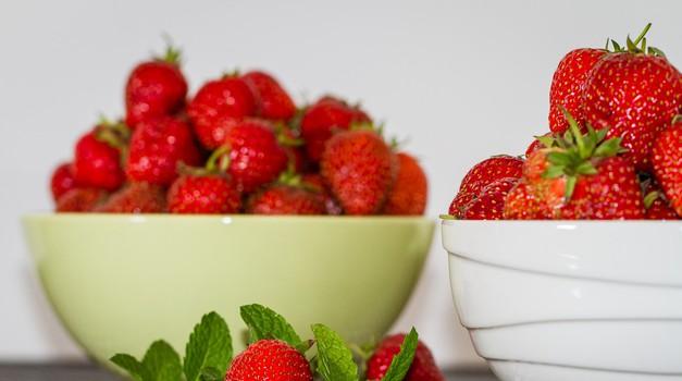 Zakaj bi morala jesti čim več jagod? (foto: profimedia)