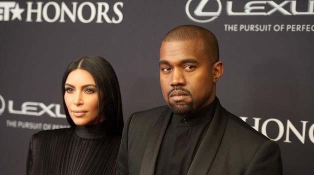 Kim Kardashian in Kanye West bosta spet zibala! (foto: Profimedia)