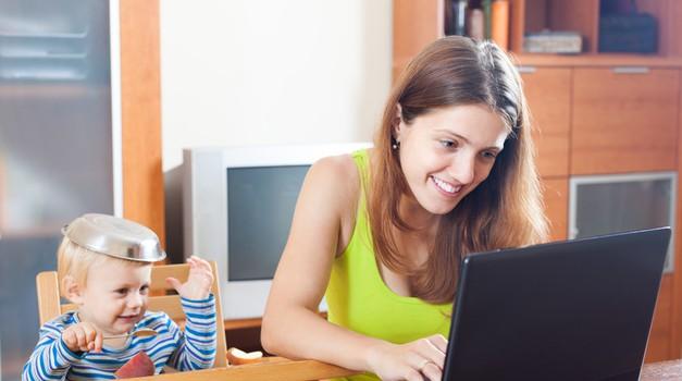 Biti žena, mama, zaposlena in študentka. Je sploh mogoče? (foto: Doba)