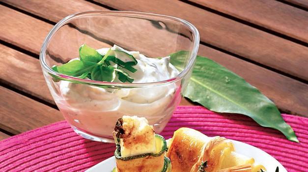1. Bučkini zvitki z ovčjim sirom. Zanimivo za oči, slastno za brbončice. RECEPT: http://www.lisa.si/recepti/buckini-zvitki-z-ovcjim-sirom/ (foto: Lisa)