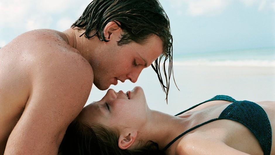 Vodna Kamasutra: 8 top seks položajev za poletje 2015 (foto: Profimedia)