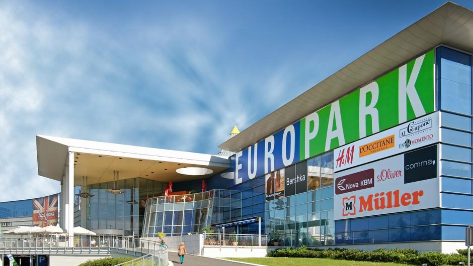 Europarkovih 15 let po zadnjih modnih trendih (foto: Europark)