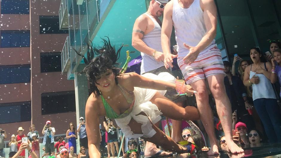 Video: Demi Lovato med nastopom grdo padla (foto: Profimedia)