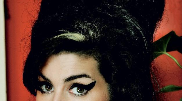 Amy Winehouse: Je bila preveč uspešna? (foto: Profimedia)
