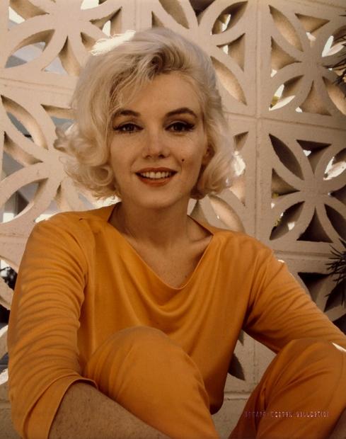 Igralka Marilyn Monroe se je rodila leta 1926 in umrla leta 1962. Storila naj bi ...