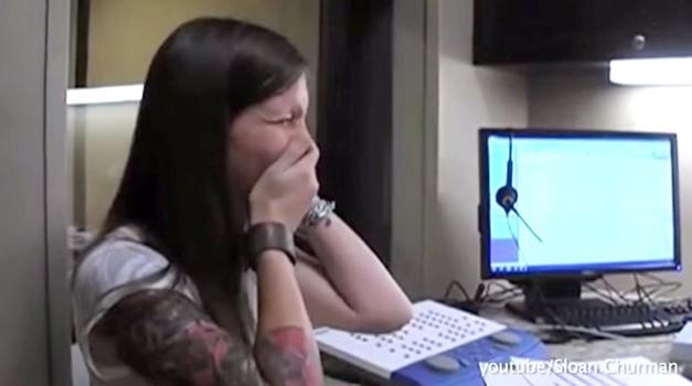 Gluhi ljudje prvič slišijo (foto: Youtube)