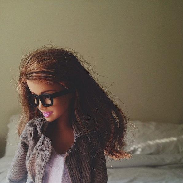 Socality Barbie, kakor se imenuje njen Instagram profil, ima vse, kar mora imeti prava Instagram zvezda. Popoln stil, redne kavice, …