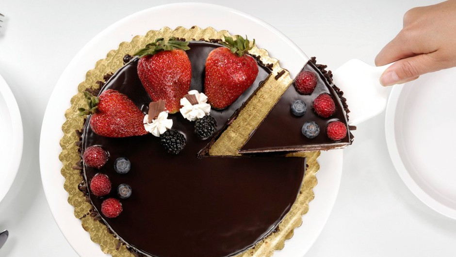 Večina nas torto reče iz notranjosti kroga navzven.  (foto: Profimedia)