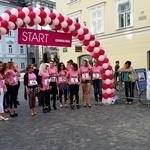 Cosmo dekleta so tekle od Mestne hiše do Prešernovega trga  . (foto: Cosmopolitan)
