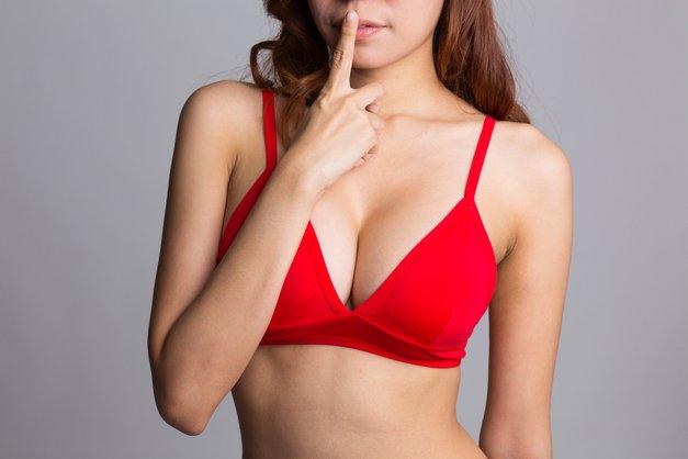 'Skrivnostna' vaja za povečanje prsi (foto: Shutterstock)