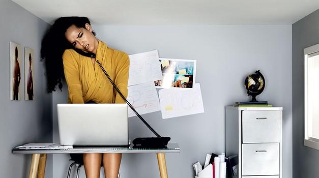 Izčrpana od nenehnih pritiskov? Tole ti bo v pomoč! (foto: Getty Images)