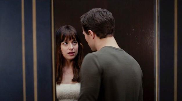 Se spomniš, kaj se je zgodilo, ko sta se v dvigalu znašla Anastasia in Christian? (foto: Profimedia)