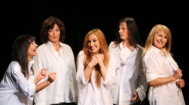 Prihaja težko pričakovana gledališka predstava Priznam (foto: Bastian M. Novak)