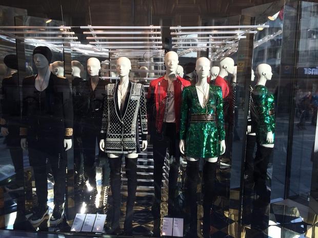 Prvi obiskovalci so najbolj težko pričakovano kolekcijo leta pred vrati trgovine H&M na Čopovi v Ljubljani (mimogrede, gre za edino …