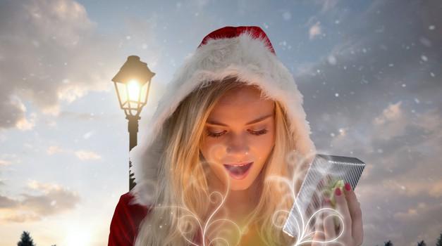Cosmo Božiček: TOP predlogi za novoletna darila, ki jih lahko tudi osvojiš! (foto: Profimedia)