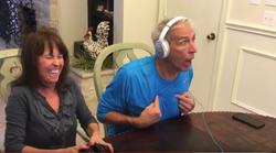 VIDEO: Reakcija bodočega dedka ob veseli novici navdušuje splet