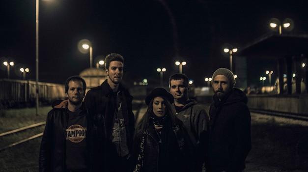 VIDEO: Oglej si nov spot skupine I.C.E. Skupaj sama (foto: Simon Intihar)