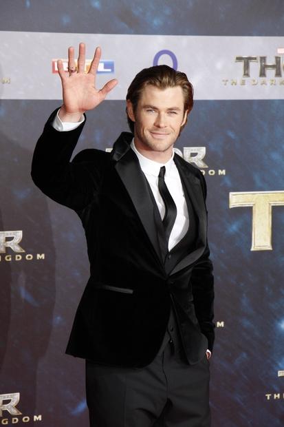 … igralcu Chrisu Hemsworthu, predlani pa ...
