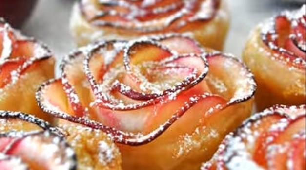 Prazničen recept: Jabolčne listnate vrtnice (VIDEO) (foto: Youtube)