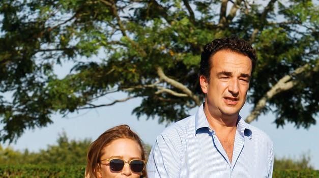 Na dan prihajajo podrobnosti s skrivnostne poroke Mary-Kate Olsen in Olivierja Sarkozyja (foto: Profimedia)