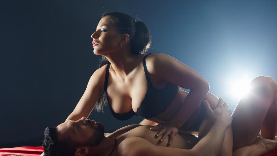 Zakaj ni dobro, če pri seksu posnemaš porno zvezdnice (foto: Profimedia)