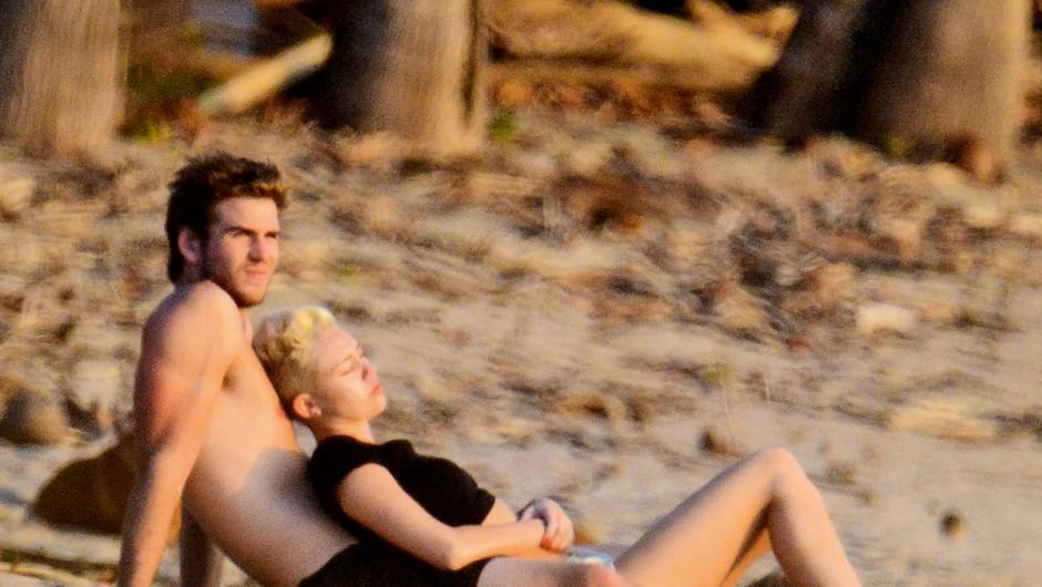 Miley Cyrus in Liam Hemsworth sta spet skupaj! (foto: Profimedia)