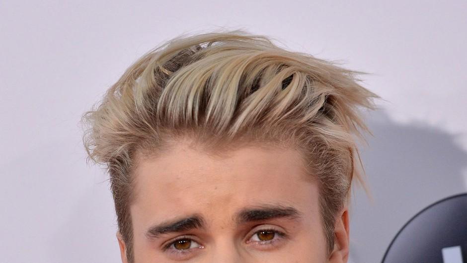 FOTO: Justin Bieber ima po novem vijolične lase! (foto: Profimedia)