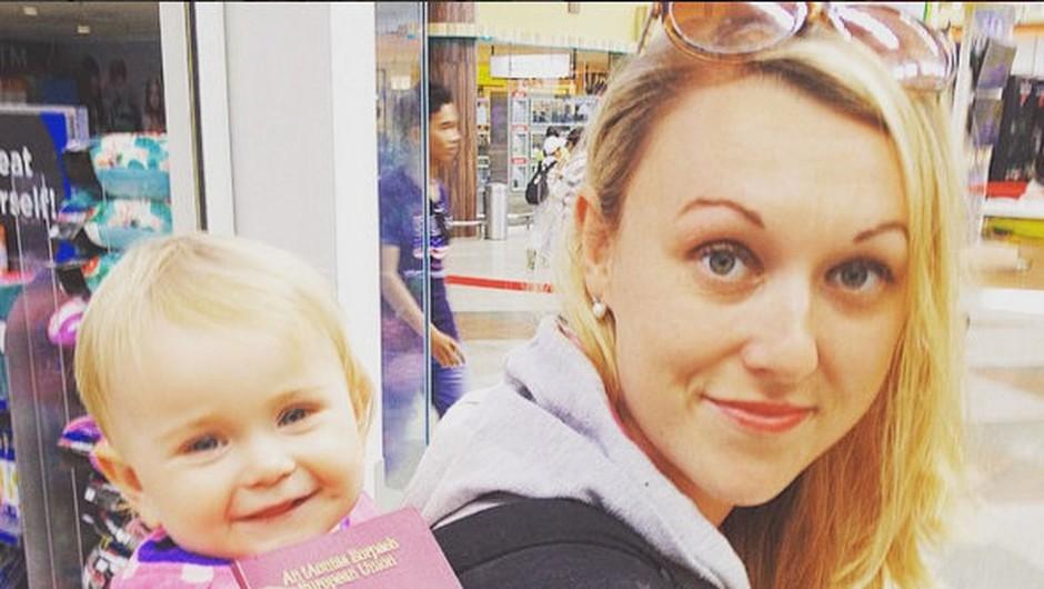 FOTO: Z dojenčico sta vso porodniško potovala okrog sveta (foto: Instagram Travel Mad mum)