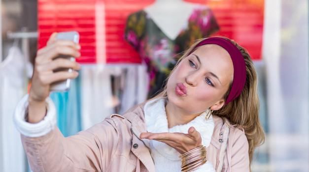 8 vrst selfijev, ob katerih zavijam z očmi (izpoved našega novinarja) (foto: Profimedia)