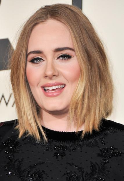 To je Adele. Tista prava Adele. To pa je ...