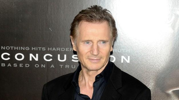 Nihče ne more ugotoviti, kdo je 'neverjetno slavna' ženska, ki jo ljubi Liam Neeson (foto: Profimedia)