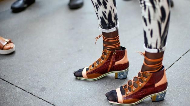 FOTO: 14 totalno odštekanih kombinacij čevljev in nogavic