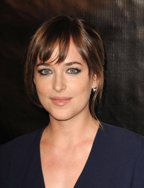 Dakota Johnson, 25, hči Melanie Griffith in Dona Johnsona, poznamo po glavni ženski vlogi v filmu Petdeset odtenkov sive. Prihodnost: …