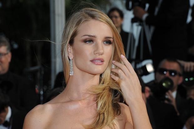 Lepotica Rosie Huntington Whiteley je zaslovela ko obraz Victoria's Secret, kot igralka pa se je preizkusila v filmu Transformers. A …
