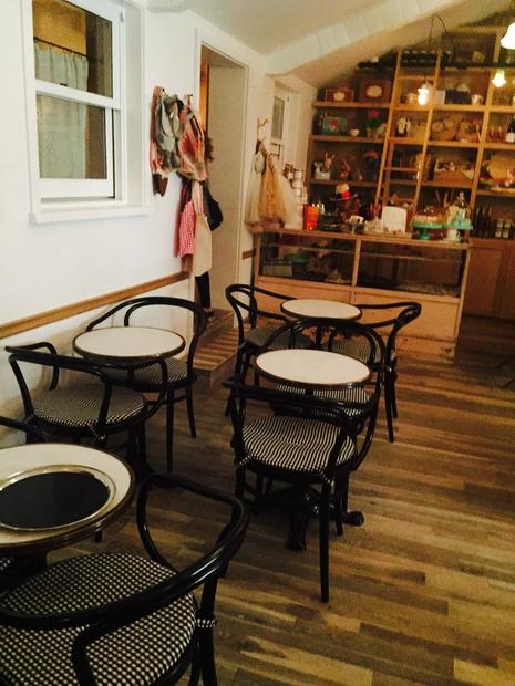 FOTO: Pokukaj v notranjost preproste restavracije Jessice Biel