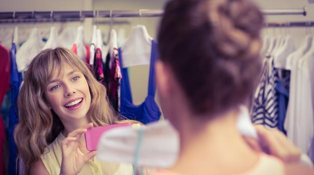 Super ideja, kako zaslužiš s prodajo svojih oblek, ki jih ne nosiš (več)! (foto: Profimedia)