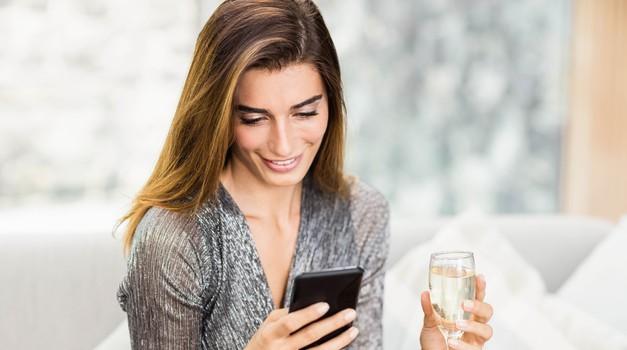 Se 'kurita' prek pisanja sporočil? Potem moraš vedeti to! (foto: Profimedia)