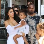 Sta Kim in Kanye svoji malčici naložila čisto preveč obveznosti? (foto: Profimedia)