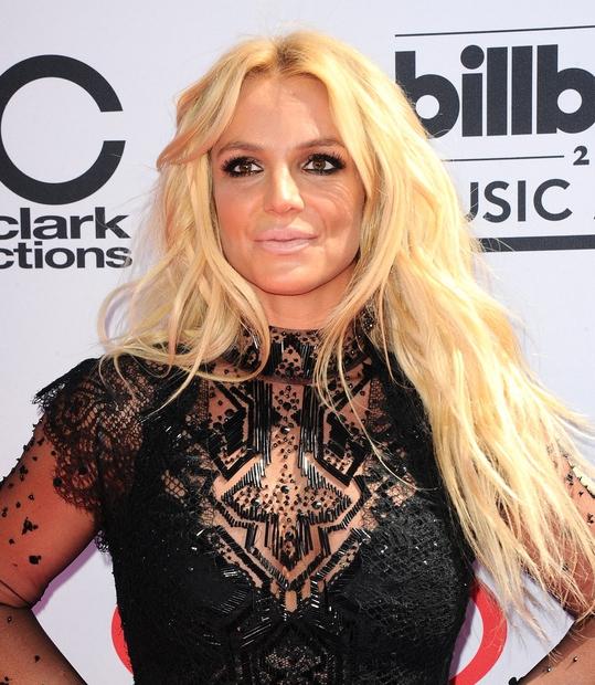 Britney Spears je na podelitvi nagrad Billboard Music Awards šele kot tretja v zgodovini prejela nagrado za življenjsko delo Billboard …