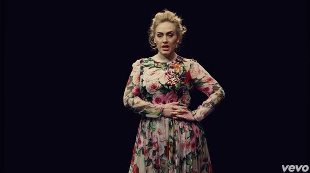VIDEO: Adele ima nov video - in povsem drugačen je kot vse doslej! (foto: Youtube Screen Shot)