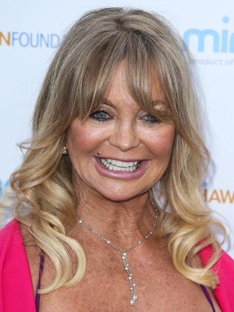 Legendarna igralka Goldie Hawn, ki je osvojila oskarja leta 1969 za stransko vlogo v filmu Cactus Flower, je pri 70-ih …
