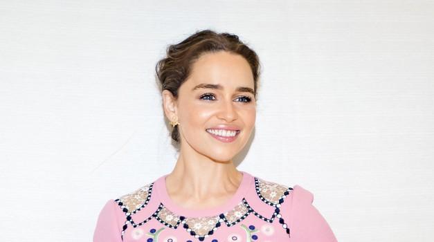 Emilia Clarke naj bi ljubila kar dva soigralca iz serije Game of Thrones! (foto: Profimedia)